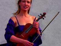 Lucia Hall, violino