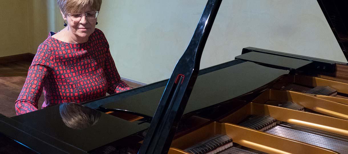 Corso triennale di perfezionamento in pianoforte tenuto da Daniela Carapelli